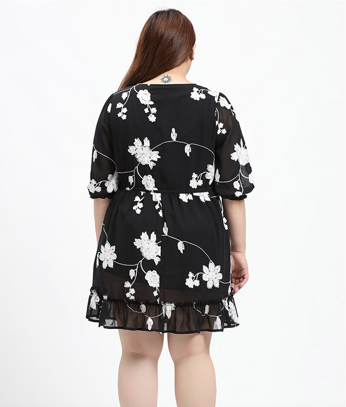 Plus Size Floral Embroidered Drawstring Waist Dress
