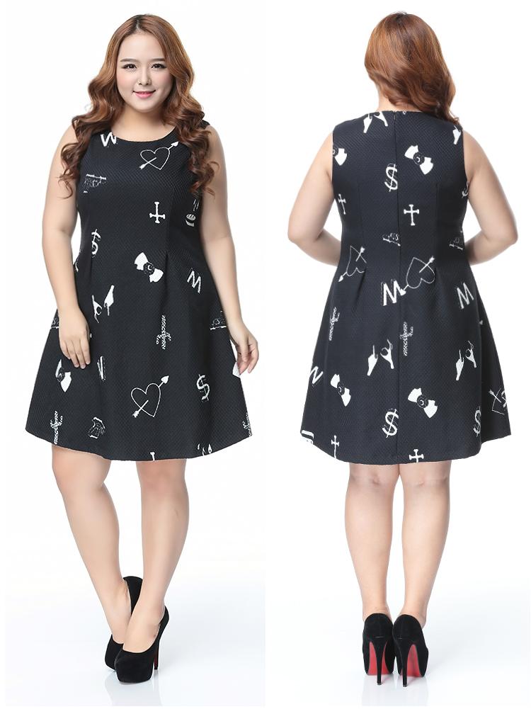 Chic Graphic Print Sleeveless Plus Size Dress