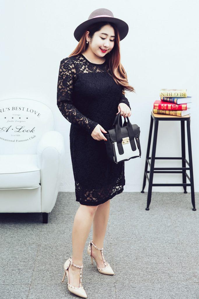 Plus Size Floral Lace Sheath Dress