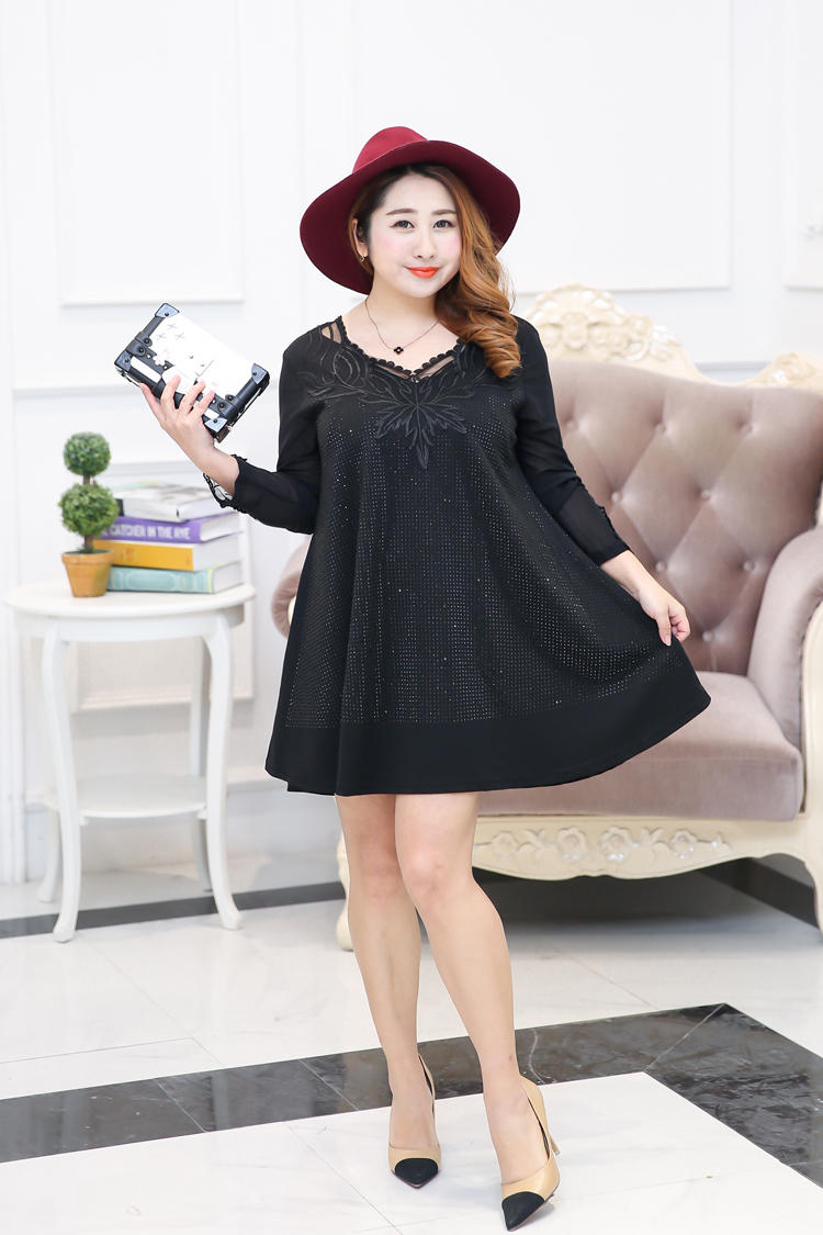 443a6e5476c Black Embellished Plus Size Dress With Lace Detail - Plusylicious