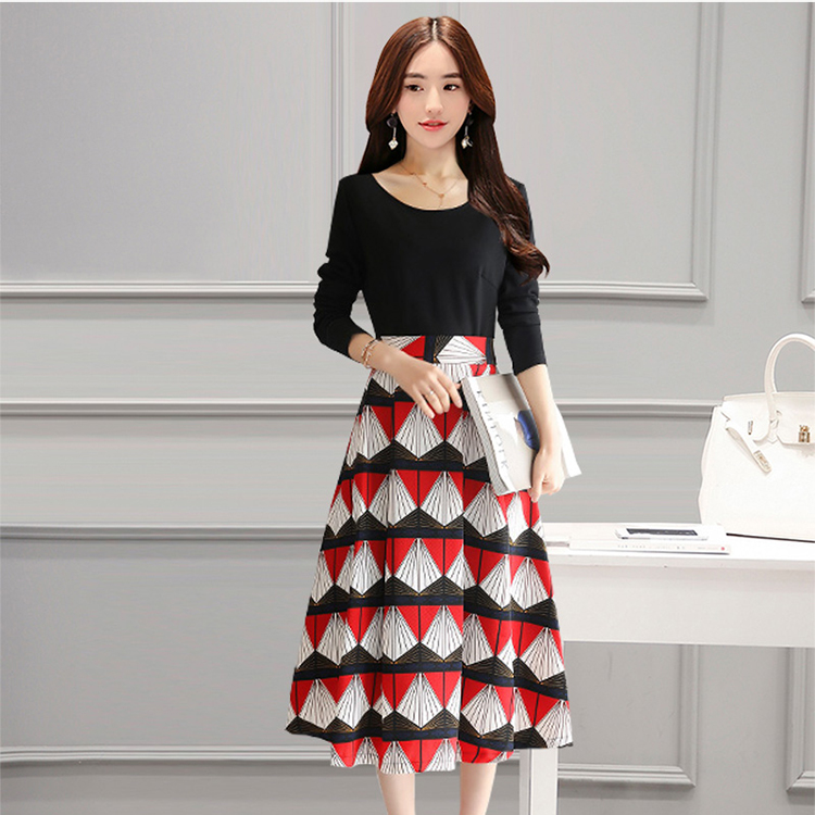 Mock Two Piece Plus Size Dress With Contrast Graphic Print Skirt